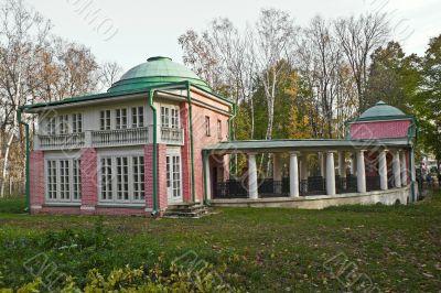 Bird farm in Vlakhernskoe-Kuzminki