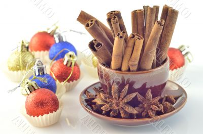 Cinnamon, star anise, Christmas ball
