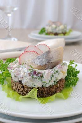 Salted herring tartare with apple and radish
