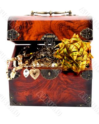 bow in Treasure chest