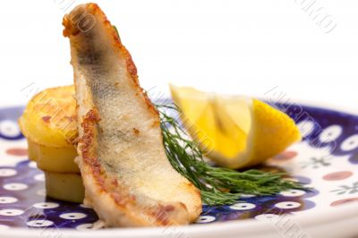Perch fillet with fried potatoes