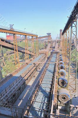 hot ore in steel plant