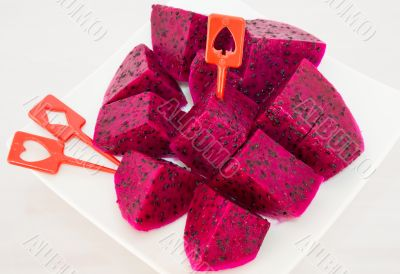 dragon fruits and  slice on plate