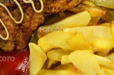 French fries with chicken chops