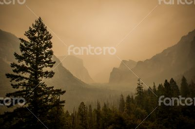 Yosemite view point dust from fire