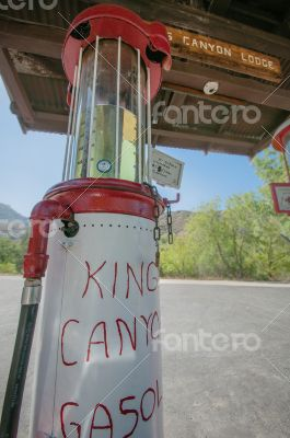KINGS CANYON GAS STATION, CALIFORNIA - AUGUST 30:Description...