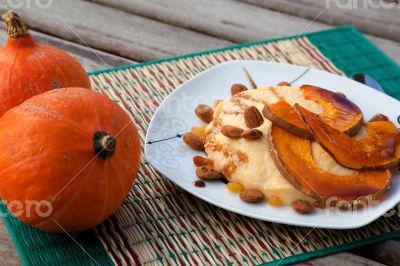 Pumpkin dessert with almond and raisins