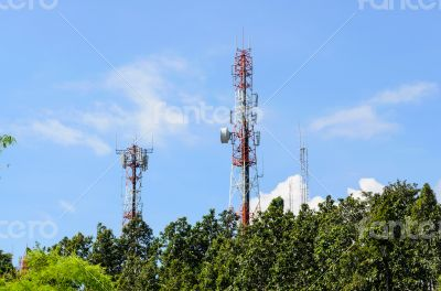 Multiplicity communications tower