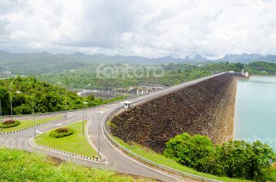 Viewpoint at Ratchaprapha Dam
