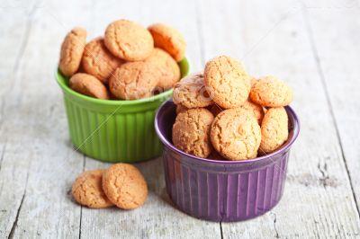 meringue almond cookies in bowls