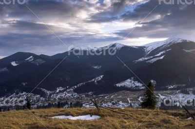 Winter evening mountain plateau landscape (Carpathian, Ukraine)