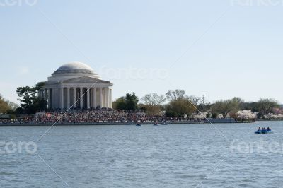 Observing the Thomas Jefferson Memorial