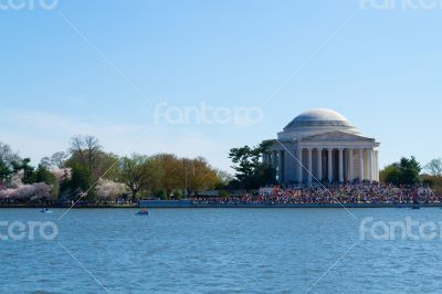 Crowded Thomas Jefferson Memorial